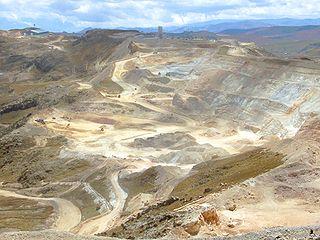 320px-yanacocha-goldmine