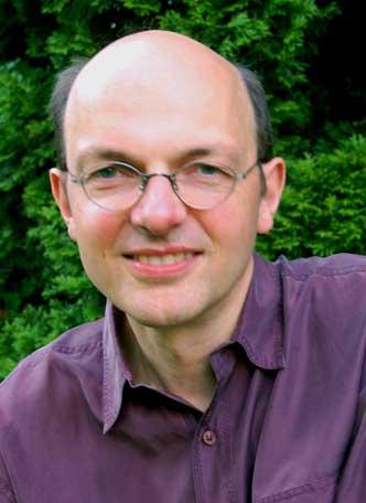 Der Autor und Philosoph Armin Risi