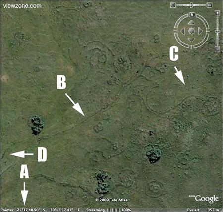 Prähistorische Kugelbauten und Wegesystem
