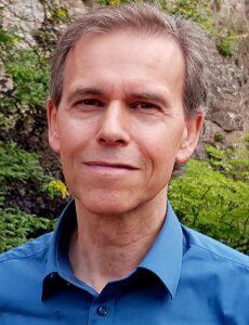 Uns er Autor Dr. Thomas Wachter